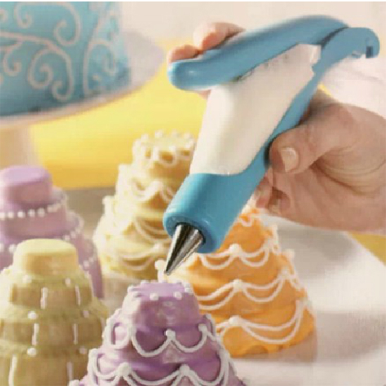 Cake Decorating Bags Homemade : Pastry Icing Piping Bag Nozzle Tips Fondant Cake Decor DIY ...